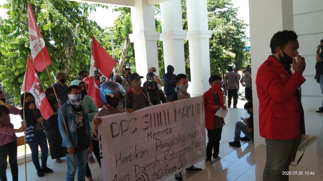 Tuntut Kejelasan Aset Daerah, Mahasiswa Demo DPRD Mamuju